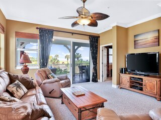 Coastal gem on the golf course w/ private balcony, shared pool, & beach access!