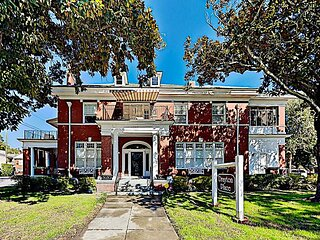 Drayton Place, 5-Unit Charmer | Starland District | Walk to Downtown Dining