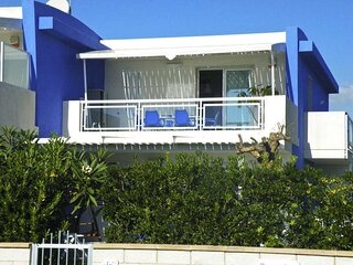 Case Vacanze Pomelia 100 meters from the sea