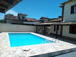 Casa Duplex (Maior Piscina Residencial de Rio das Ostras)/ 5Min. da Praia a Pe.