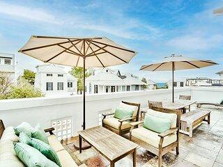 Savannah 2C— Luxury Rosemary Beach Condo Steps From the Beach