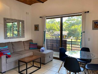 Casita Chuy - Charming, San Pancho apartment just four blocks from the beach!