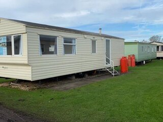 Brilliant 6 berth caravan for hire at Sunnydale Holiday Park ref 35134S