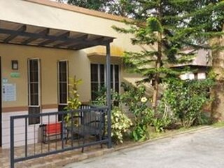 Felicitas Tagaytay Bungalow #1, holiday rental in Alfonso