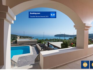 Sea Breeze Villa by Voulisma beach, at Istron Crete, accommodates max 7 people.