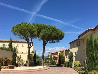 Villa Castellet has 2 bedroom within beautiful golf domain of Saint Endreol