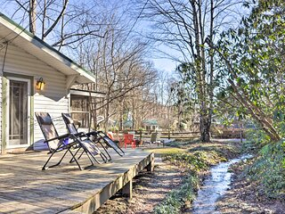 NEW! Cottage: Fire Pit, BBQ, Walk to Chimney Rock!