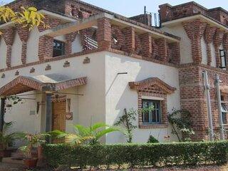 Villa Shantiniketan - Luxurious and Romantic