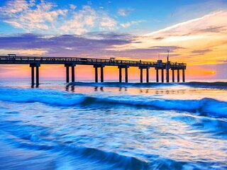 Walk to the beach or Explore the Nation's Oldest City-Beach Cottage Paradise