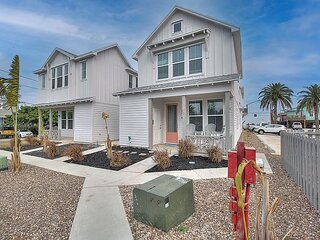 Brand new cottage conveniently located in the heart of Old Town Port Aransas