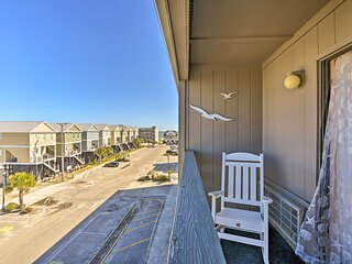 NEW! Beach Condo w/ Pool Access, 1 Block to Ocean!