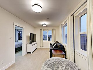 Chic South Park Retreat | Full Kitchen & Private Laundry | Near Downtown
