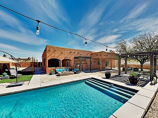 Luxe Desert Basecamp   Private Pool, Spa & Firepit   Near Joshua Tree Park