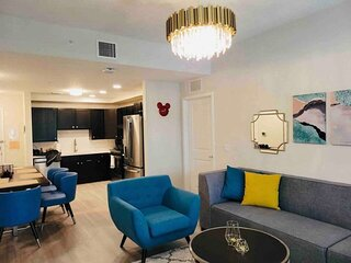 Newly Contructed 2 BR Near Disney, Universal and OCC