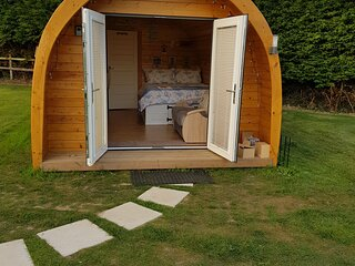 Badgers Sett - Luxury Self Contained Glamping Pod in Picturesque Happisburgh