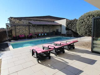 Holiday villa in South France with private pool & air con *Discounted rates*
