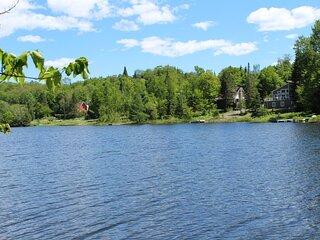 Chalet La Peninsule Au Bord Du Lac