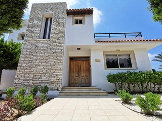 Villa Nayia