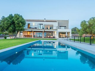 Villa - 4 Bedrooms with Pool and WiFi - 106196