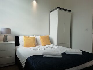 Still Life Chancery Lane Deluxe One Bedroom Apartment