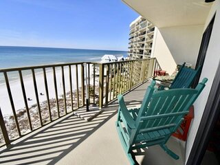 NEW LISTING: Beachfront 2BR Walking Distance to State Park, FREE WiFi and FREE F