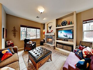 Upgraded End-Unit Townhome | Sauna & Office | Near Skiing, Hiking, Dining