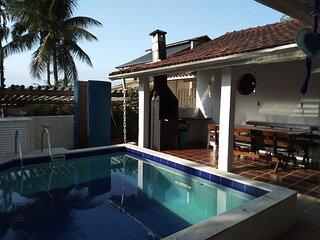 Casa linda com wifi e lazer completo em Lagoinha