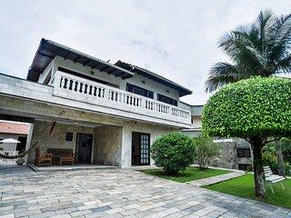 Casa com piscina e Wi-Fi em condomínio fechado