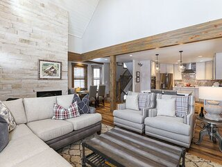 Troon Haus - NEW Listing! Stunning 4BR Home in Heart of Breck w/ Hot Tub!