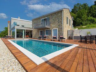 Beautiful Villa Akazija, in Istria, with a Pool
