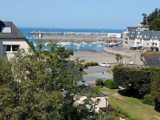 A ERQUY, a quelques pas de la plage du centre, a 800m des commerces
