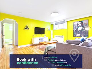 Chic and Fun  Apartment Near 2 Metro Stations!