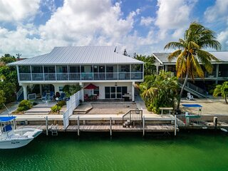 Mermaid Magic 3bed/3bath half duplex with dockage & Cabana Club