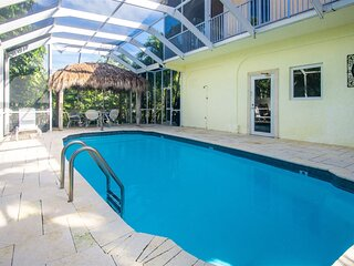 Big Kahuna 5bed/4bath Pool House