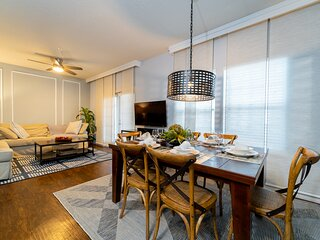 *July Special* at LV - 4 beds, 3 baths - 24-101