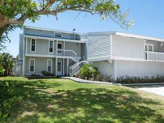The Ultimate 2 Bedroom Condo on Charlotte Harbor, Orlando Condo 1005