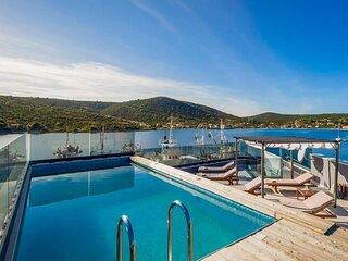 Modern Beachfront Luxury Villa, in Dalmatia