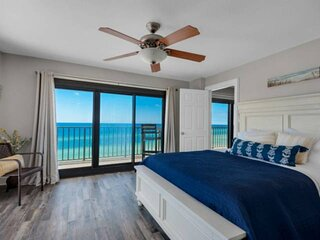 NEW LISTING: Beachfront 3br w/ Multiple Private Balconies! Full Kitchen, FREE Wi