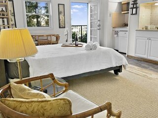 Unique Stay at the Secret Stairs Hideaway Garden Apt w Epic Views of Downtown LA