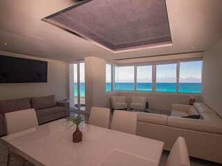 By Tim M - All brand new, beautifully finished - 2nd floor unit faces the ocean!