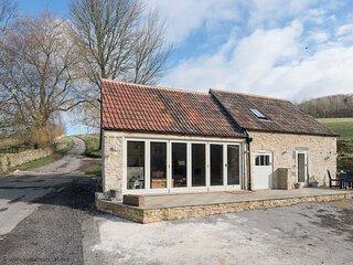 Bull Pen, Dyrham near Bath sleeps 2 guests  in 1 bedroom