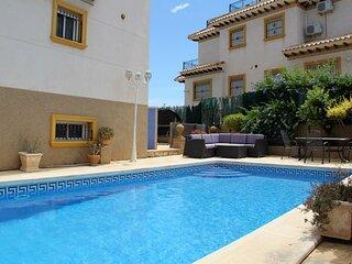 3 bed Villa Private Pool, Large Grounds Villamartin