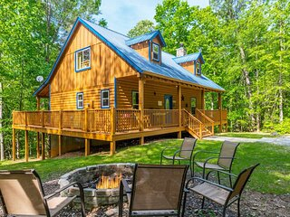 Private Log Cabin | 4BR 3BA | Pet Friendly | Hot Tub | Fire Pit | Spacious