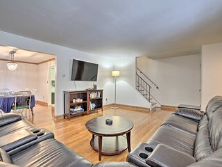 NEW! Pittsburgh Townhome ~5 Miles to Market Square