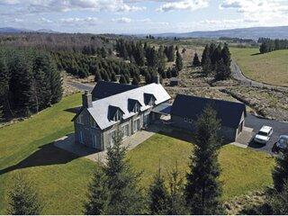 Luxury Holiday Home on Private Estate near Callander,  Loch Lomond and Trossachs