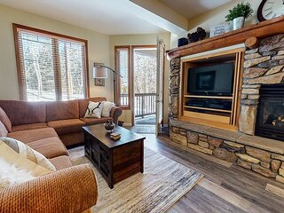 Located on Sierra Star Golf Course, Summer Pool, Private Washer/Dryer