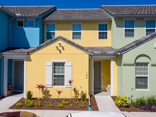Fabulous Vacation Home  w/ Screened Pool Close To Disney 146