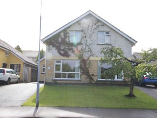 Newcastle Lodge, Galway City - Newly decorated 4 bed house available in the Newc