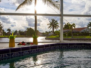 Paradise View - A House with 2 Master Suites near Eco Preserve Park