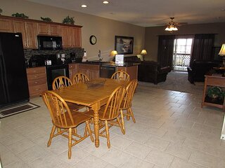 3 BR, 2 Bath Condo on the Shores of Table Rock Lake with Dock Access